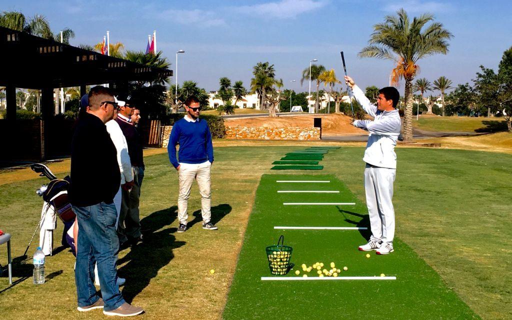 Comienzo de los cursos de golf subvencionados.